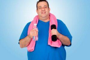 El ejercicio físico mejora el control metabólico, lo que favorece especialmente a pacientes diabéticos.